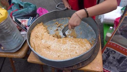 逛马来西亚鸡场街夜市,尝炸雪糕、麦芽敲敲糖、榴莲冰淇淋等美食