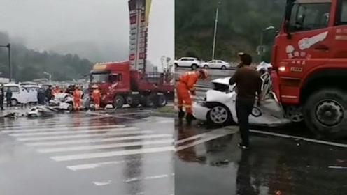 陕西一教练车被追尾后挤扁致1死2伤,教练生前最后一刻让学员先走