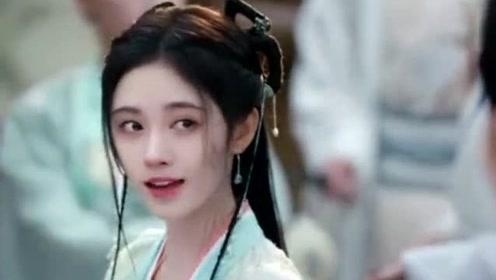 如意芳霏:傅容奋不顾身救肃王,肃王想要以身相许了吧?