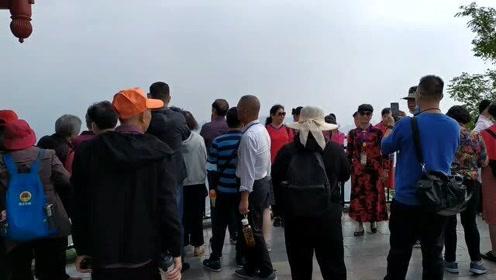桂林第一山尧山,旅游的人这么多,如果是你你还会来玩吗?