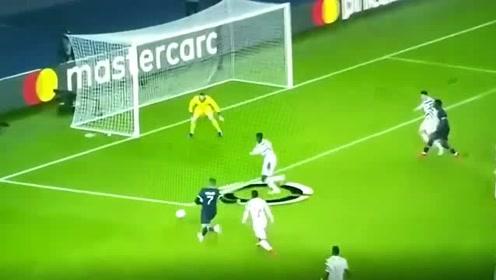 欧冠联赛:曼联新星速度飞快!图安泽贝三次成功防守姆巴佩