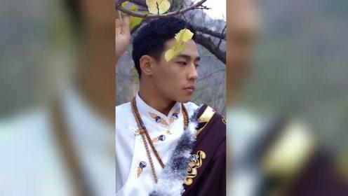 這是我見過最帥的藏族男孩!雖然沒有丁真的純真害羞,卻有男兒獨有的陽剛