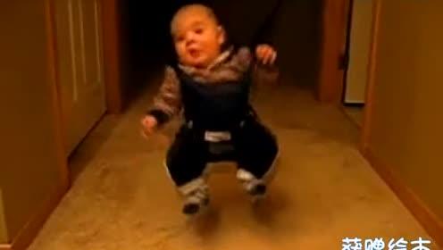 超可爱宝宝搞笑舞蹈秀