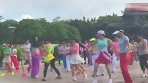 最经典的一个广场舞视频!