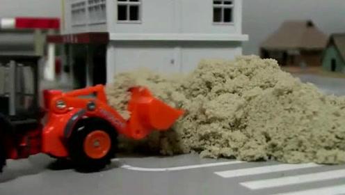 玩具视频:挖掘机挖土机表演视频,汽车总动员