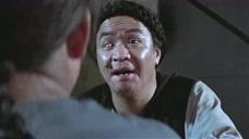 男子被朋友忽悠,半夜去鬼屋对着镜子削苹果,结果被朋友吓出冷汗!