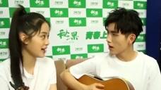 ?#36153;?#23068;娜和陈飞宇甜蜜合唱《后来》确认过眼神,都是颜值高的人
