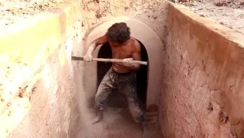 户外生存:生存小哥徒手挖掘深坑,建造最秘密的地