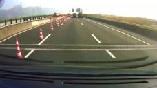 保时捷司机厉害了,高速120码的车速刹车!
