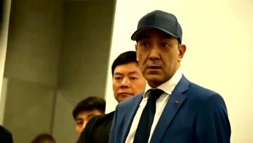 男篮教练杜峰太霸气,休息室开会:20分算个屁啊!