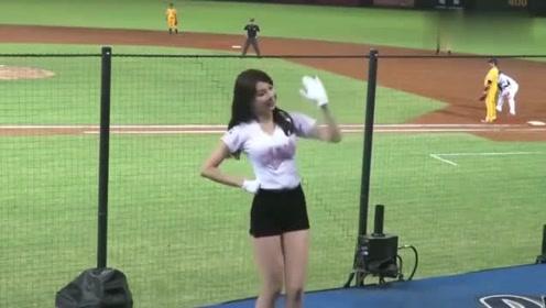中国啦啦队美女陈怡睿赛场舞蹈,颜值身材都堪