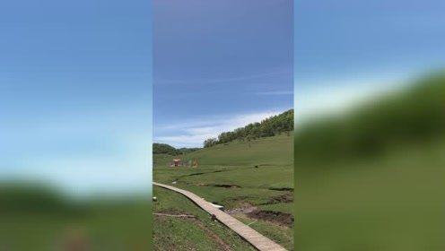 无滤镜的关山牧场,看起来还真不像旅游胜地