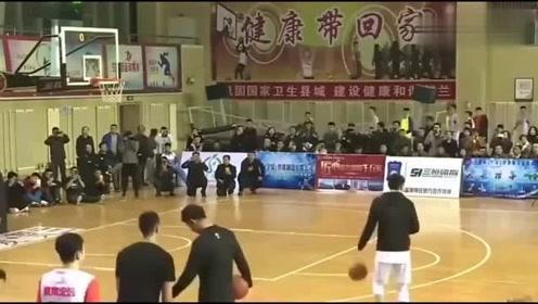 这是中国民间的扣篮大赛不知道CBA的总经理看到会怎么样