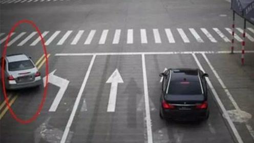 转弯时,这动作一定要做,很多老司机都忽略了,事故率大大增加