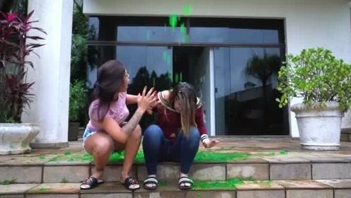 国外爆笑街头恶搞:趁女友不注意从楼上倒下绿