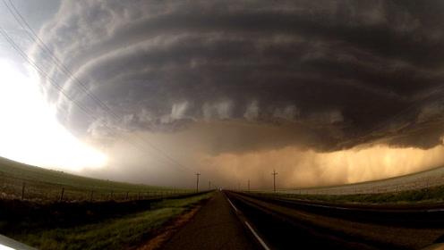 """罕见 """"风暴云""""!大自然开启特效模式,场景犹如世界末日!"""