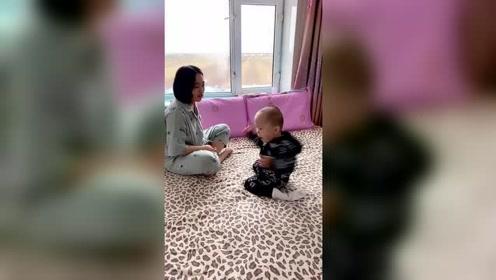 只要美女小姨一来,小外甥就会被玩坏,下一秒的动作太逗了!