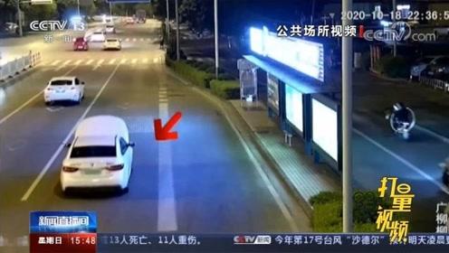 """柳州一司机打开引擎盖""""盲开"""",竟是为了给车充电"""