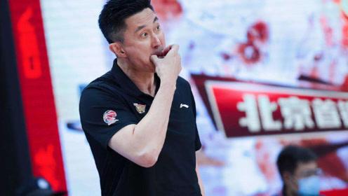 中国男篮好消息!CBA新赛季最大惊喜诞生,新核心崛起,杜峰乐坏了