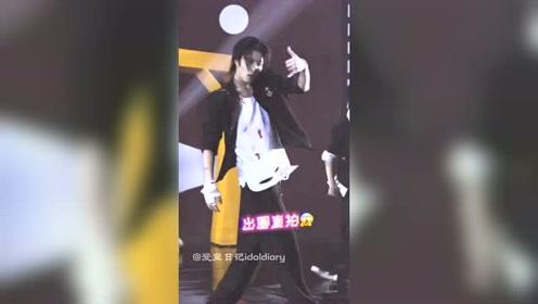 时代少年团:刘耀文卡点王者舞蹈机器,这个直拍帅惨了