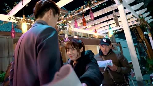 Behind the scenes: Overbearing CEO made a move on the balcony, Ye Qianyu surrendered to love | Forget You Remember Love