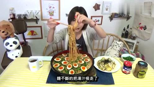 吃播大胃王:美食又去天津吃大全了,晚餐也吃得美女穿美女图片丝的图片