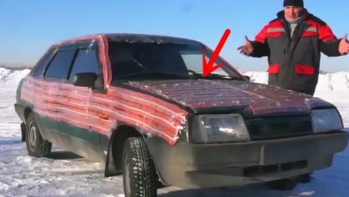 小哥把3万个鞭炮粘在车上,行驶中被同恶搞点燃