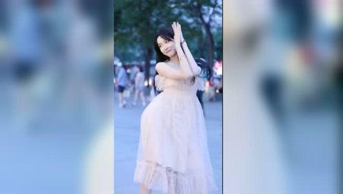 时尚北京街拍:居然这是三里屯屯花,太仙了吧