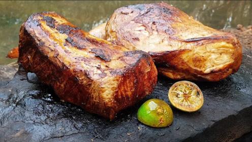 牛人野外烹饪猪肉,技术堪比五星级厨师