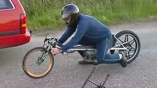 牛人自制摩托车,这速度一点也不输哈雷