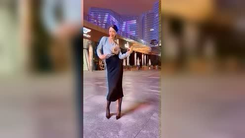 搞笑小视频: 街拍美女 2