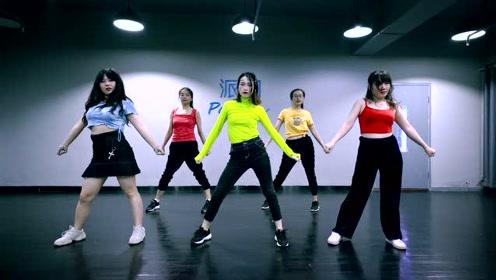 派澜 爵士舞《Remix》指导老师:张秀娟 *组