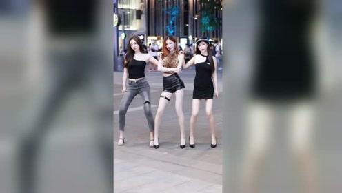 三位漂亮的小姐姐,第一眼看去,你会喜欢上哪一个?