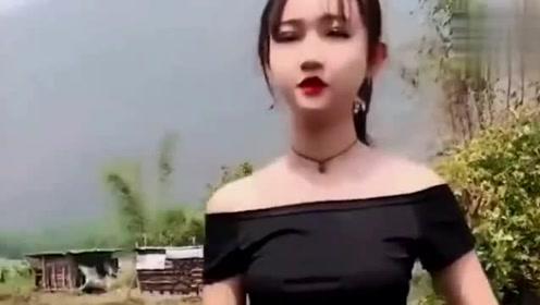 缅甸美女上厕所,出来的那一刻我笑了,小姐姐真的好可爱!1