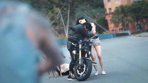 男子打怪途中捡到一个美女僵尸当女朋友 #搞笑视