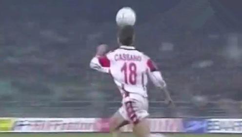 比巴洛特利还可惜啊!17岁卡萨诺这停球有多神?意甲处子球绝杀国米