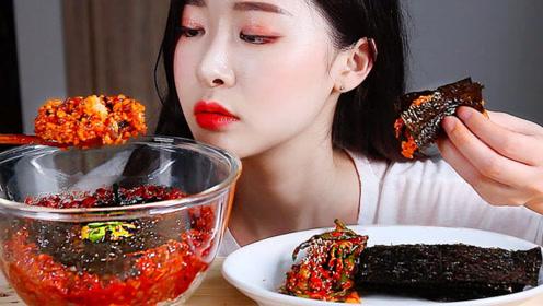 美食二倍速:小姐姐吃章鱼酱拌饭,爽口萝卜泡菜,紫菜,美味极了