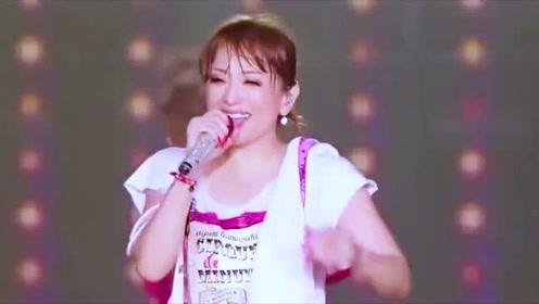 不愧是音乐界亚洲一姐,虽然听不懂唱的是啥意思,但这旋律让人久久无法忘怀