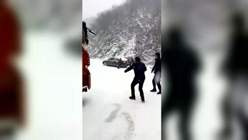 冰天雪地,也挡不住回家的路!