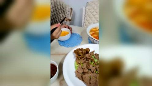 孩子吃饭原视频,未加速