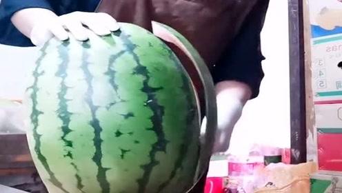 我们吃的西瓜,原来还可以这样去皮呀,看完长见识了!
