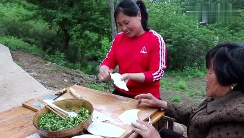 胖妹和**一起动手,用韭菜做一道不一样的美食,大口大口吃真满足!