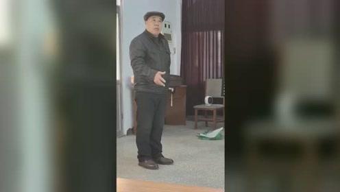 202113曙光戏社娱乐视频《审潘洪》演唱唐友瑞操琴曲士国