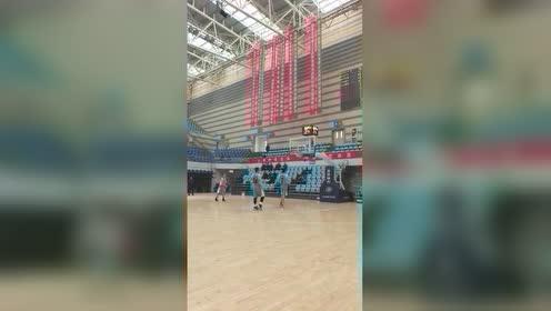 前CBA球员李青翔野球场爆砍100分 曾获NBL全明星MVP