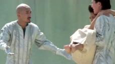 劫匪抢了新娘,由于意见不统一,男子居然要把新娘送回去