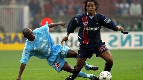 小罗的23次过人,虽然巅峰短暂,但他能把足球踢成真正的艺术足球