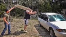 用100斤重巨剑砍汽车