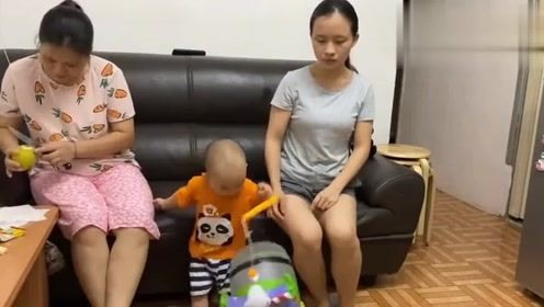 香港人的生活:香港婆婆每天工作15个小时,儿媳妇做视频跑腿挣钱了