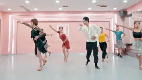 年龄大了能不能学跳舞?让姐姐们的这一支热情拉丁告诉你