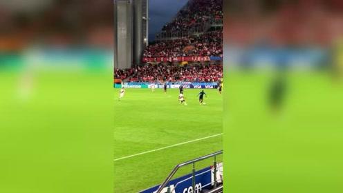 法国世界杯片段,看中锋吉鲁带球